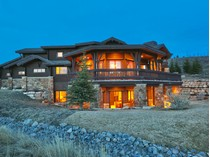 Vivienda unifamiliar for sales at Amazing Furnished Home on Golf Course with Park City, Deer Valley, and Sunset Vi 7301 N Sage Meadow Rd   Park City, Utah 84098 Estados Unidos