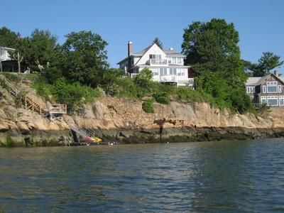 Einfamilienhaus for sales at Direct Waterfront 6 Rockland Park  Branford, Connecticut 06405 Vereinigte Staaten