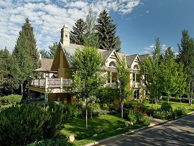 Einfamilienhaus for sales at West End Victorian 225 North Sixth Street Aspen, Colorado 81611 Vereinigte Staaten