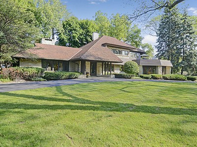 Villa for sales at 807 S. County Line Rd. 807 S County Line Rd.  Hinsdale, Illinois 60521 Stati Uniti