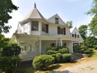 Einfamilienhaus for  sales at Victorian 1455 Roosevelt Place  Pelham, New York 10803 Vereinigte Staaten