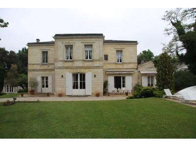 Moradia for sales at Exceptional 2.5 Ha Property Bordeaux Bordeaux, Aquitaine 33270 França