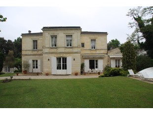 Nhà ở một gia đình for sales at Exceptional 2.5 Ha Property Bordeaux Bordeaux, Aquitaine 33270 France