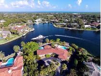 Casa para uma família for sales at Spectacular Waterfront Location at Ocean Reef 38 Sunset Cay Road  Ocean Reef Community, Key Largo, Florida 33037 Estados Unidos