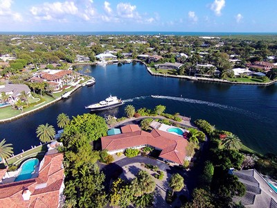 Nhà ở một gia đình for sales at Spectacular Waterfront Location at Ocean Reef 38 Sunset Cay Road  Key Largo, Florida 33037 Hoa Kỳ