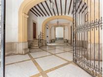 Vivienda unifamiliar for sales at Elegante casa señorial en Palma Casco Antiguo    Palma, Mallorca 07012 España