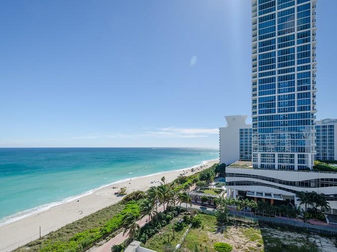 Nhà chung cư for sales at The Collins Condo #1203 6917 Collins Ave #1203 Miami Beach, Florida 33141 Hoa Kỳ