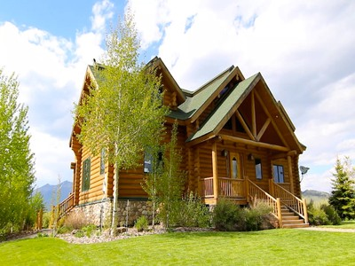 独户住宅 for sales at Henry's Lake Log Home 3891 North Goose Bay Drive Island Park, 爱达荷州 83429 美国