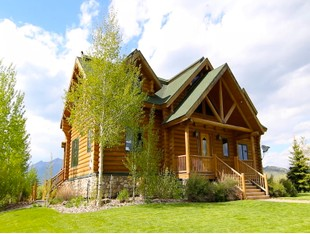 Single Family Home for sales at Henry's Lake Log Home 3891 North Goose Bay Drive Island Park, Idaho 83429 United States
