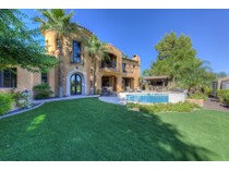 Villa for sales at Extraordinary Home On The 15th Green Of The Arizona Country Club Golf Course 3655 N 59th Place   Phoenix, Arizona 85018 Stati Uniti