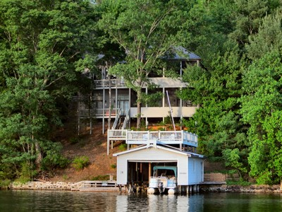 Maison unifamiliale for sales at Arts & Crafts Waterfront Home on Lake Lure 132 Pirates Cove  Lake Lure, Carolina Du Nord 28746 États-Unis