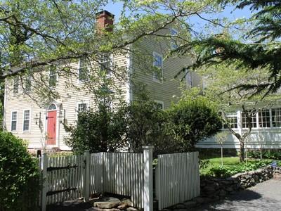 Maison unifamiliale for sales at Elisha Crane House c.1756 172 Roast Meat Hill Rd Killingworth, Connecticut 06419 États-Unis