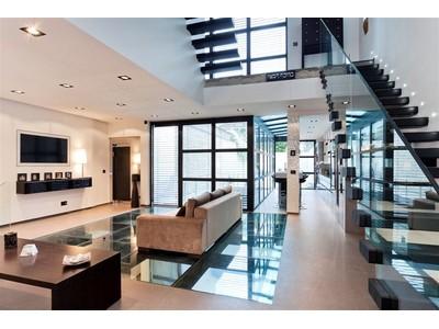Apartamento for sales at Loft Courbevoie  Other Paris, Paris 92400 Francia