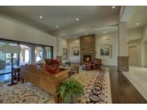 Vivienda unifamiliar for sales at Custom Home with Exquisite Finishes in Troon Highlands Estates 11926 E La Posada Circle   Scottsdale, Arizona 85255 Estados Unidos