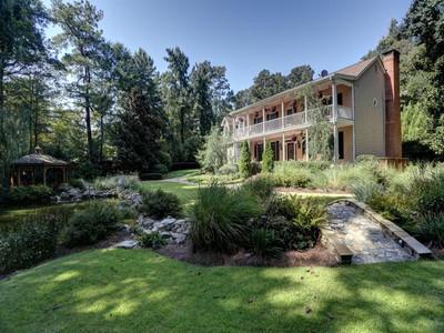 Villa for sales at Vinings Home Features Pond, Waterfalls And Woodland Trail 3880 Woodland Brook Drive SE  Atlanta, Georgia 30339 Stati Uniti