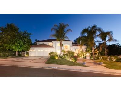 Maison unifamiliale for sales at Mountain View Estates 25724 Simpson Place Calabasas, Californie 91302 États-Unis