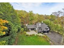 "Moradia for sales at The ""Juilliard Carriage House"" 117 East Lake Road   Tuxedo Park, Nova York 10987 Estados Unidos"