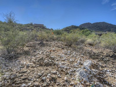 Terreno for sales at Amazing 1.57 Acre Homesite in Mummy Mountain Park 6019 E Foothill Drive #65 Paradise Valley, Arizona 85253 Estados Unidos