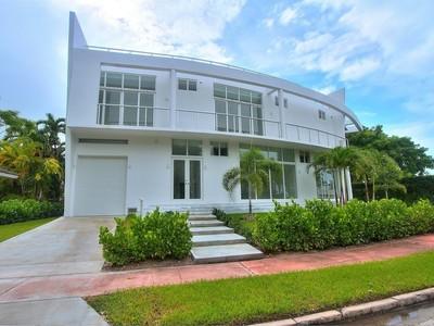 Casa Unifamiliar for sales at 412 E Rivo Alto Dr.  Miami Beach, Florida 33139 Estados Unidos