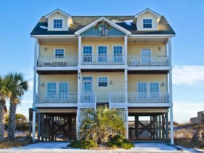 Nhà ở một gia đình for sales at 418 New River Inlet Road  Sneads Ferry, Bắc Carolina 28460 Hoa Kỳ