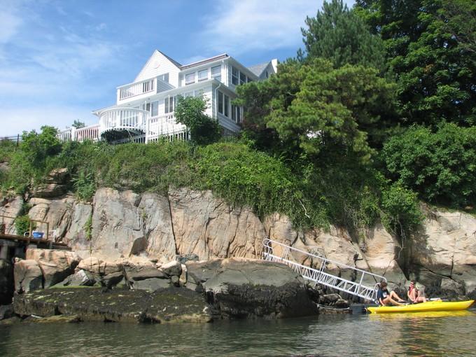 Nhà ở một gia đình for sales at Direct Waterfront 6 Rockland Park Branford, Connecticut 06405 Hoa Kỳ
