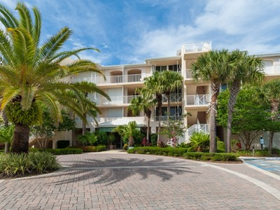 Condomínio for sales at Sea Oaks Oceanfront Condo 8866 Sea Oaks Way #201  Vero Beach, Florida 32963 Estados Unidos