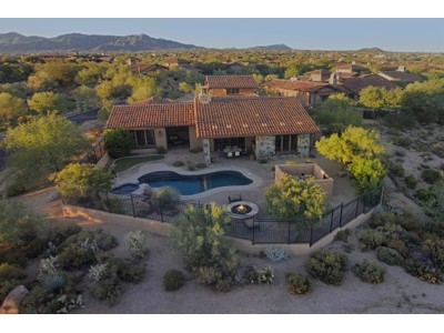 Maison unifamiliale for sales at Beautiful Home On A Premium Corner Lot In The Heart Of Mirabel 36835 N Mirabel Club Drive  Scottsdale, Arizona 85262 États-Unis
