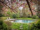 Maison unifamiliale for sales at Charming Home 3615 Randall Mill Road NW Atlanta, Georgia 30327 États-Unis