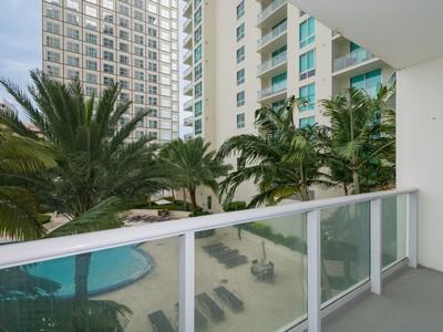Condominium for sales at 300 S Biscayne Blvd #T-1403   Miami, Florida 33131 United States