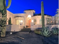 Nhà ở một gia đình for sales at Beautiful North Scottsdale Home on Over an Acre 8166 E Questa Road   Scottsdale, Arizona 85255 Hoa Kỳ