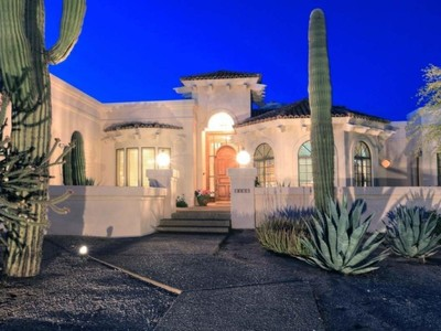 Tek Ailelik Ev for sales at Beautiful North Scottsdale Home on Over an Acre 8166 E Questa Road Scottsdale, Arizona 85255 Amerika Birleşik Devletleri