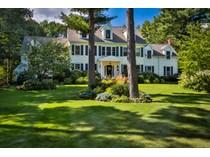 Casa para uma família for sales at Elegant Country Colonial 50 Village Lane   Hanover, Massachusetts 02339 Estados Unidos