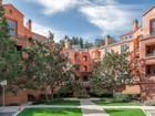 共管式独立产权公寓 for  sales at An Attractive Hillside Community 280 Caldecott Lane #124   Oakland, 加利福尼亚州 94618 美国