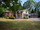 Villa for sales at Stunning Property In The Old Country Club Area. 571 Knollwood Road Ridgewood, New Jersey 07450 Stati Uniti