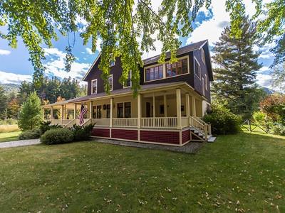Outros residenciais for sales at Pinewood 1745 NYS Route 73 Keene Valley, Nova York 12943 Estados Unidos