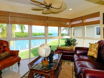 Condominio for sales at Beautiful Waterfront Condominium at Ocean Reef 51 Pumpkin Cay Road Unit B  Key Largo, Florida 33037 Stati Uniti