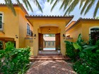 Maison unifamiliale for sales at Courtyard Villa 473 Bahia Avenue Key Largo, Florida 33037 États-Unis