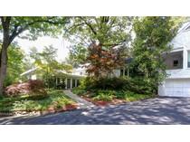 獨棟家庭住宅 for sales at Location, Privacy, And Land...This One Has It All 4501 Harris Trail  Buckhead, Atlanta, 喬治亞州 30327 美國