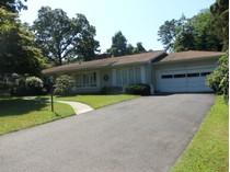 Einfamilienhaus for sales at Charming Ranch 1100 Jeanne Lane   Brielle, New Jersey 08730 Vereinigte Staaten