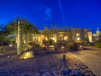 Vivienda unifamiliar for sales at Warm & Elegant Home on one of the Best Golf Course Lots in Candlewood Estates 10682 E Cinder Cone Trail Scottsdale, Arizona 85262 Estados Unidos