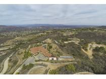 Maison unifamiliale for sales at West Potrero Road 2830 West Potrero Road   Thousand Oaks, Californie 91361 États-Unis