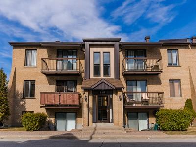 Apartamentos multi-familiares for sales at Vimont Laval 2317 Rue de Beaujolais Vimont, Quebec H7K3L8 Canadá