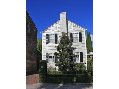 独户住宅 for sales at 11 Bedons Alley  Charleston, 南卡罗来纳州 29401 美国