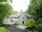 Casa para uma família for  sales at Bethesda 7107 Arrowood Rd   Bethesda, Maryland 20817 Estados Unidos