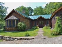 Villa for sales at 193 Wilbur Road    Woodbury, Vermont 05650 Stati Uniti