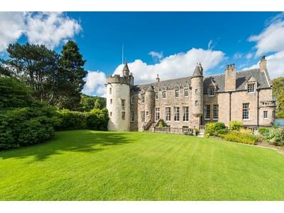 Maison unifamiliale for sales at Craigcrook Castle Craigcrook Castle Craigcrook Road Edinburgh, Scotland EH43PE Royaume-Uni