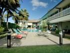 Vivienda unifamiliar for sales at Kailua Ocean Front Estate 572 C N Kalaheo Ave Kailua, Hawaii HI Estados Unidos