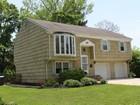 Casa para uma família for  sales at 3 Ruddy Court, Little Silver  Little Silver, Nova Jersey 07739 Estados Unidos