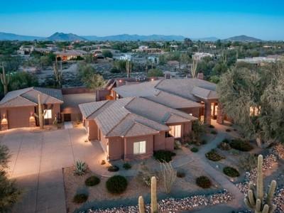 Частный односемейный дом for sales at Gorgeous Remodeled North Scottsdale Home with City Light and Mountain Views 6350 E Monterra Way Scottsdale, Аризона 85266 Соединенные Штаты