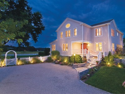Maison unifamiliale for sales at The Pearl of Fence Creek 155 Middle Beach Rd Madison, Connecticut 06443 États-Unis